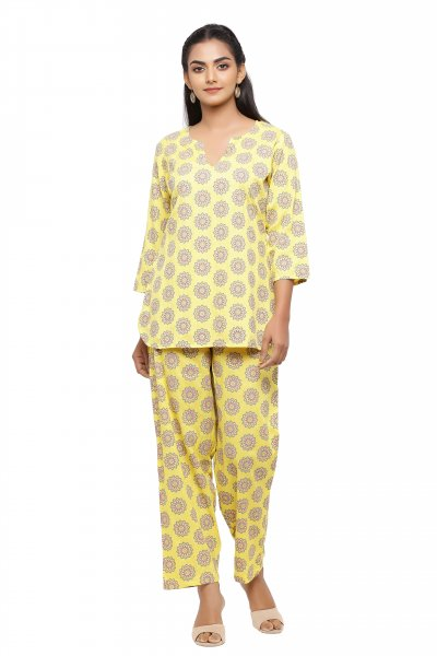 Women's Printed Night Suit Set.